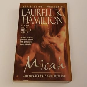 📚 5 for $20 Laurell K. Hamilton, Micah